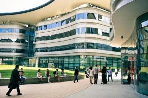 Abolire le tasse universitarie contribuirà davvero ad aumentare le immatricolazioni?