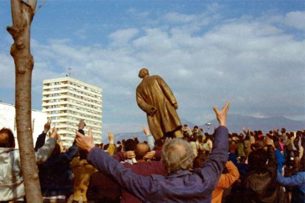 Knocking down of Enver Hoxha's statue in 1991.