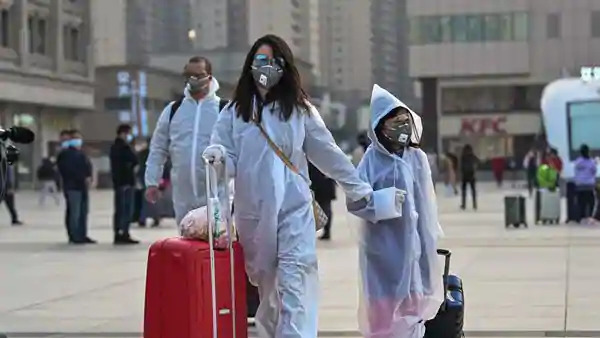 Civilians taking strong precautionary measures after the end of the quarantine in Wuhan